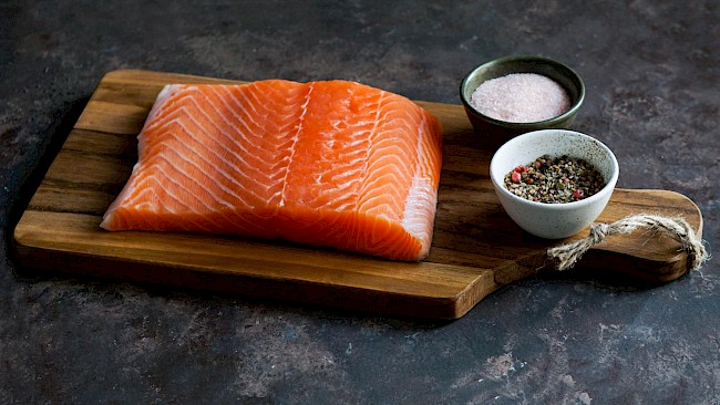 Smoked or grilled salmon - caloies, wieght