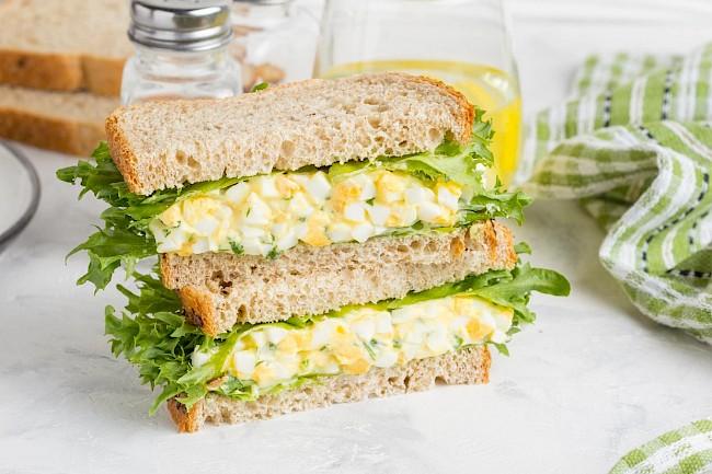 Egg salad sandwich - caloies, wieght