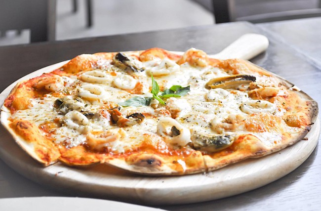 Thin pizza crust - caloies, wieght