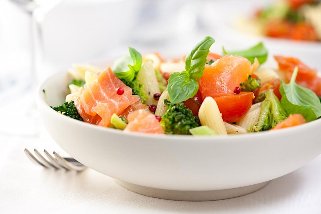 Salmon salad - caloies, wieght