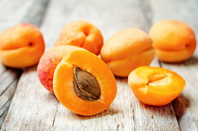 Apricot - kalorie, kcal, ile waży