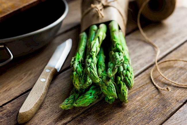 Asparagus - kalorie, kcal, ile waży