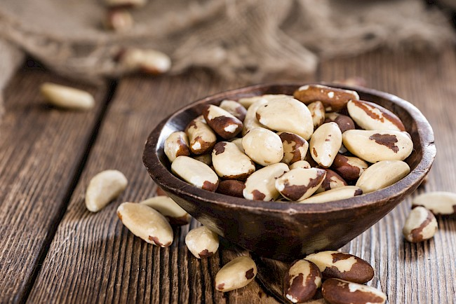 Brazil nuts - nutrition, vitamins, minerals