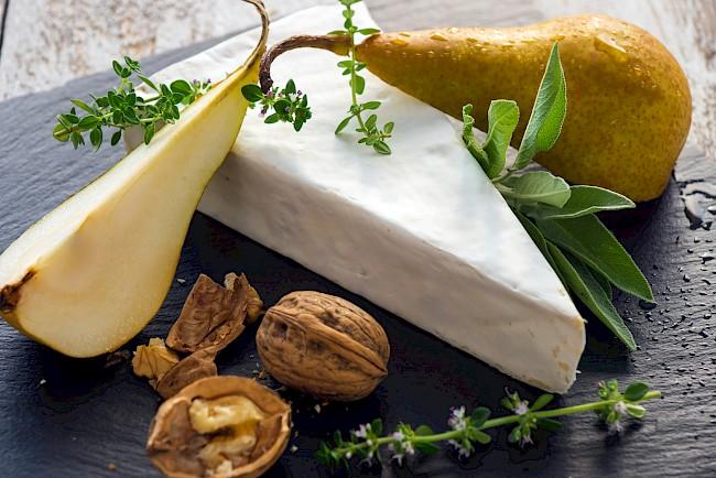 Brie - kalorie, kcal, ile waży
