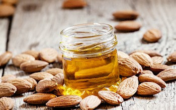 Almond oil - calories, nutrition, weight