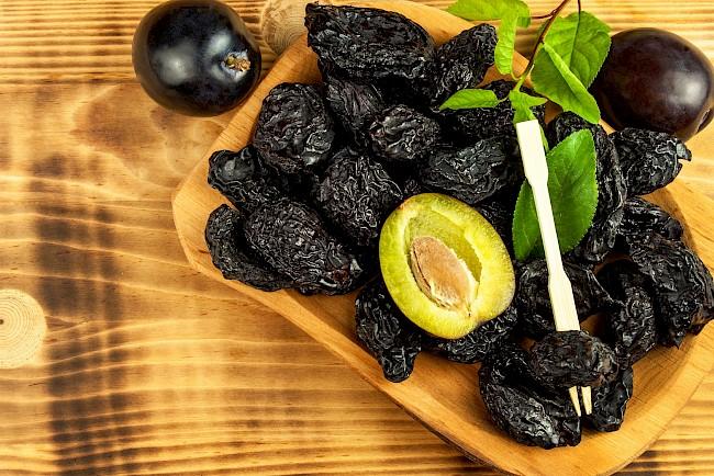 Prunes - nutrition, vitamins, minerals