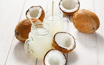 Coconut water - calories, nutrition, weight