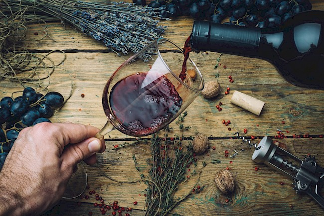 Red wine - nutrition, vitamins, minerals