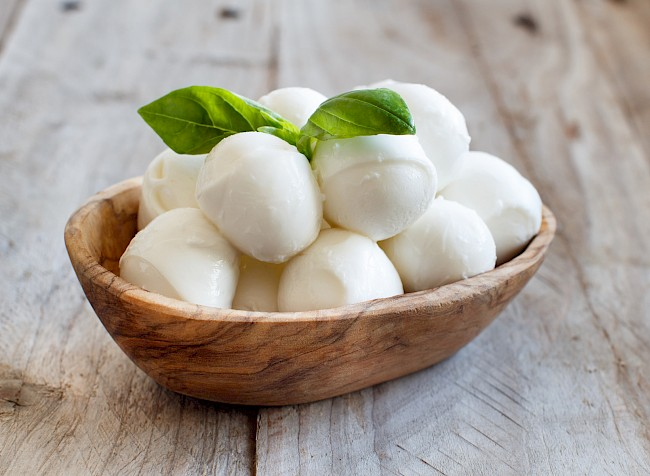 Mozzarella Cheese Calories Weight Why You Should Or Not Eat