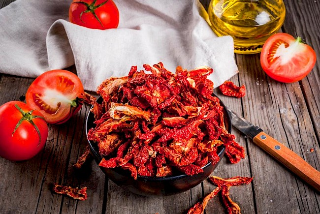 Dried tomatoes - caloies, wieght