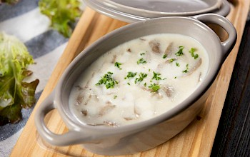 Mushroom soup - calories, nutrition, weight